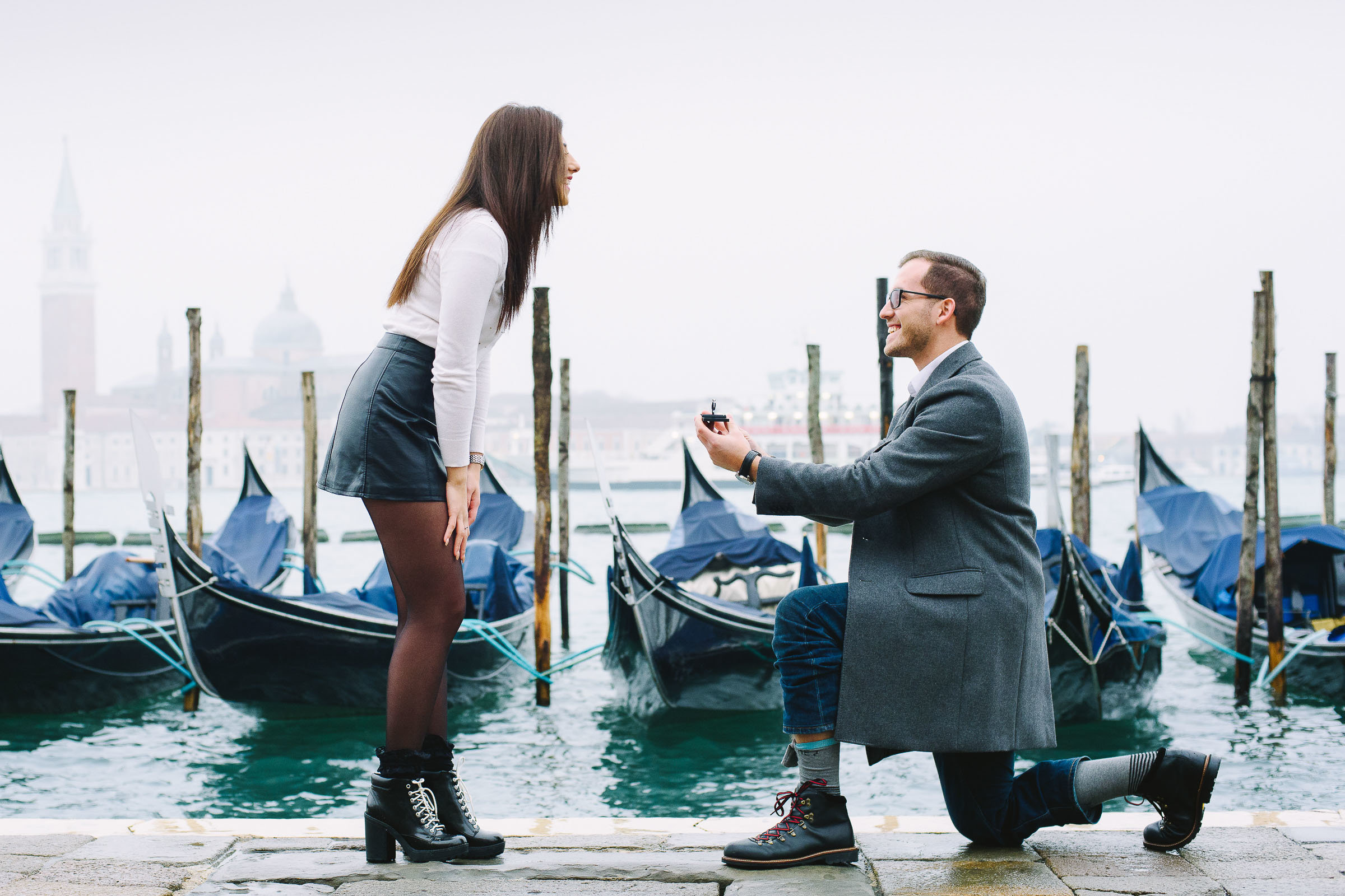 Where to hide the ring while proposing in Venice?