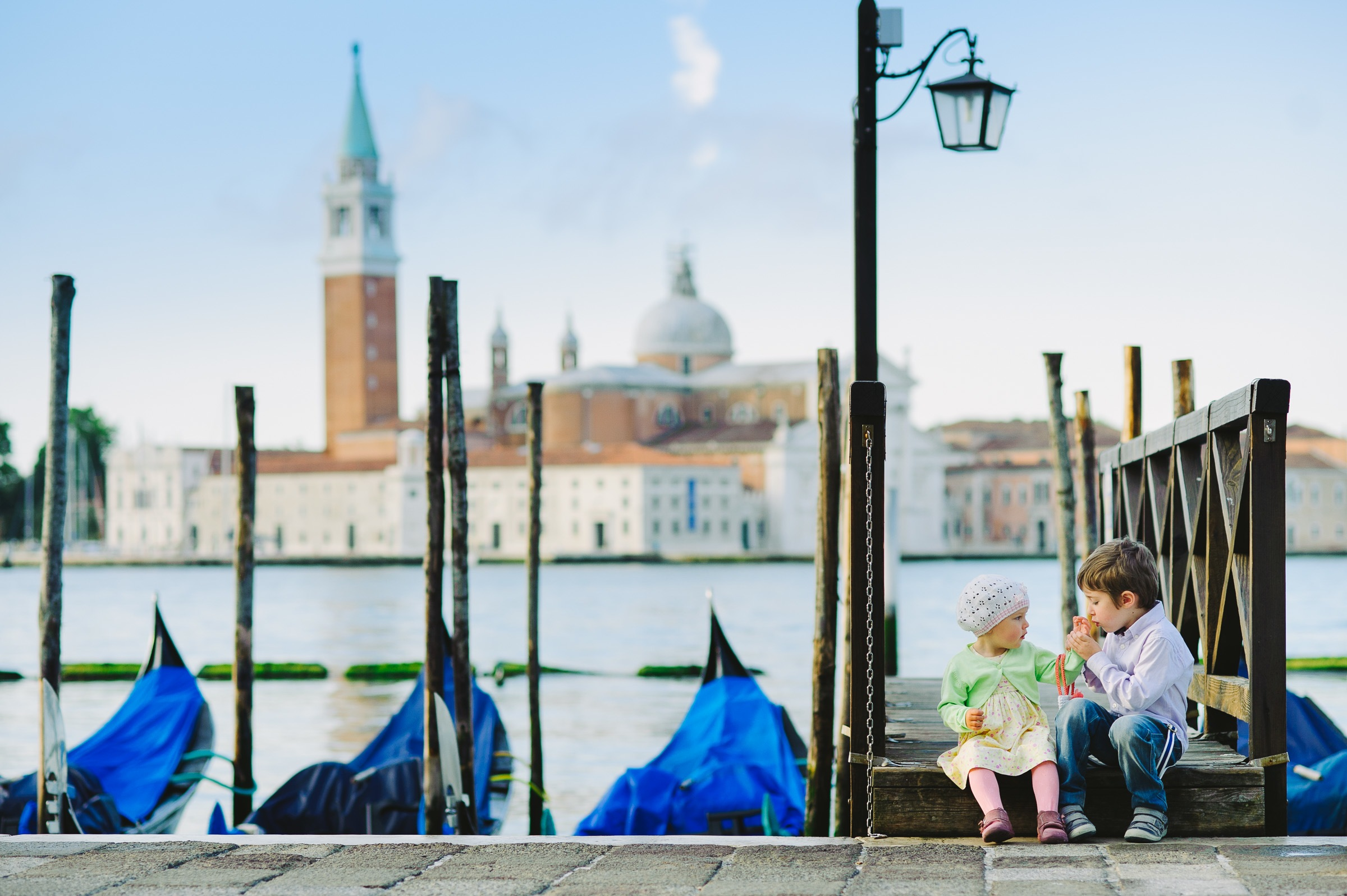 family photo session in marina of San Marco
