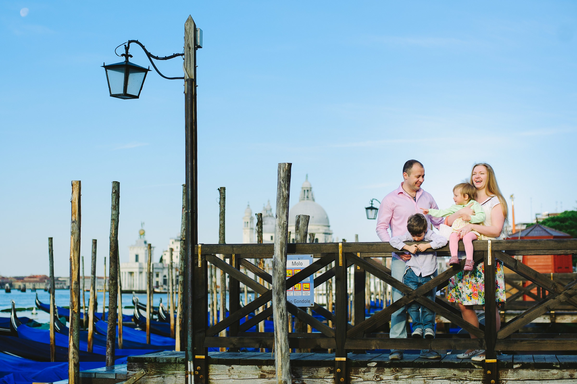 family photo shoot in San Marco